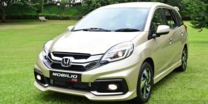 Honda-Mobilio-RS-India-live-image-front-quarter-angle